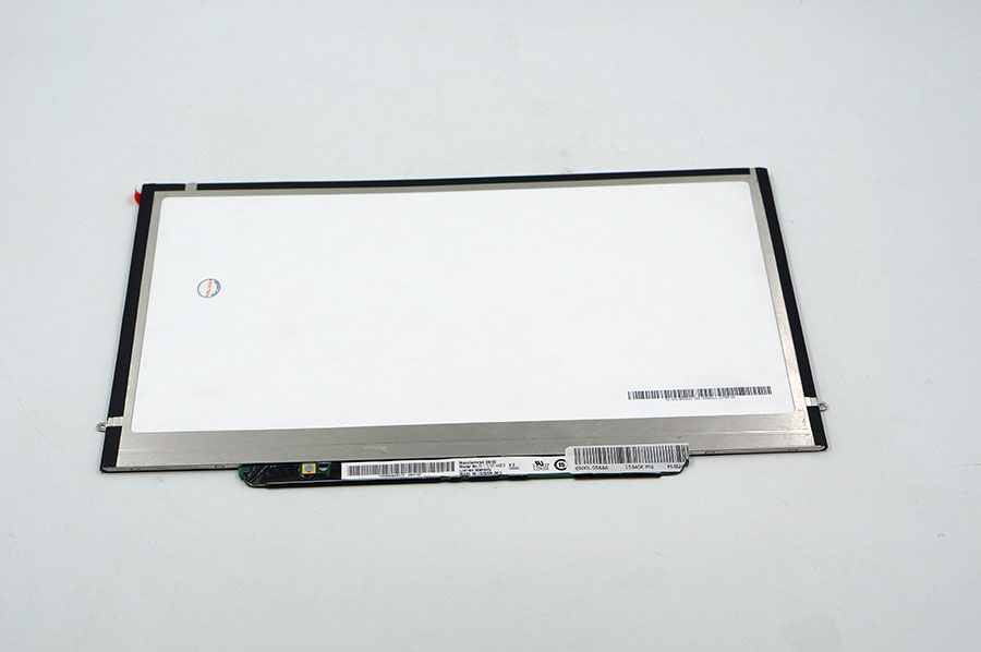 13.3 lcd matrix for APPLE Macbook a1237 a1304 notebook replacement display B133EW03 V2 or compatible screen Silver connector
