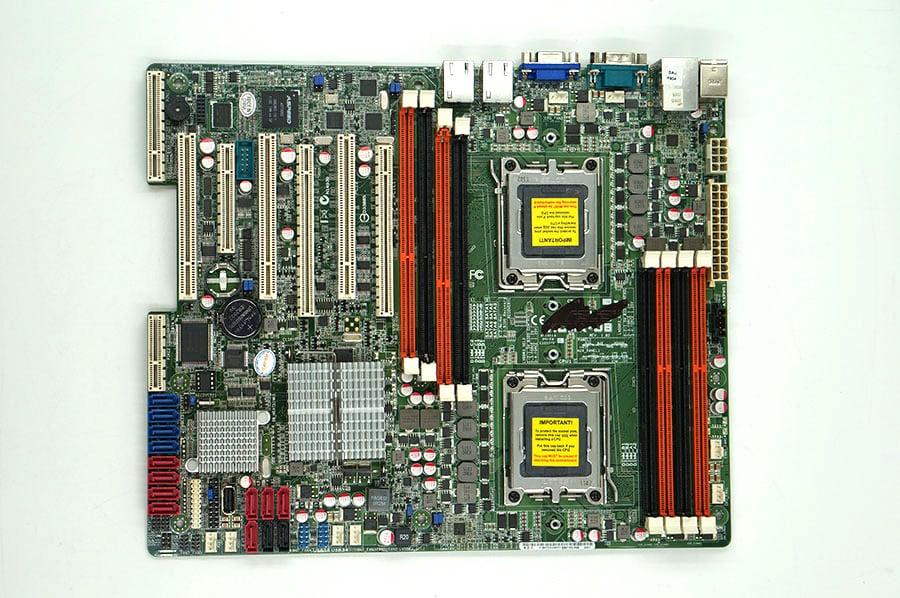 Asus KCMA-D8 Dual Socket C32 LGA1207 Server deska podporuje 4/6/8 jádro