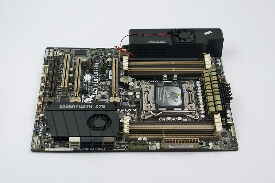 ASUS SABERTOOTH X79 X79 LGA 2011 motherborad